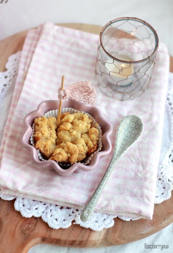 Apple Cheesecake Streusel Muffins3