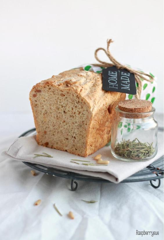 Rosmarin Olivenöl Brot1