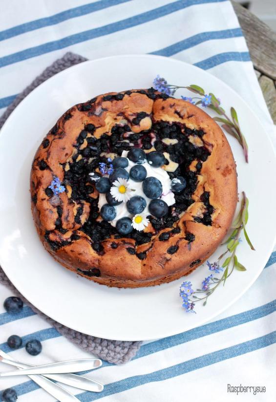 Versunkener Blaubeer-Schmand-Kuchen