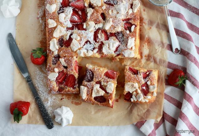 Eton Mess Cake1