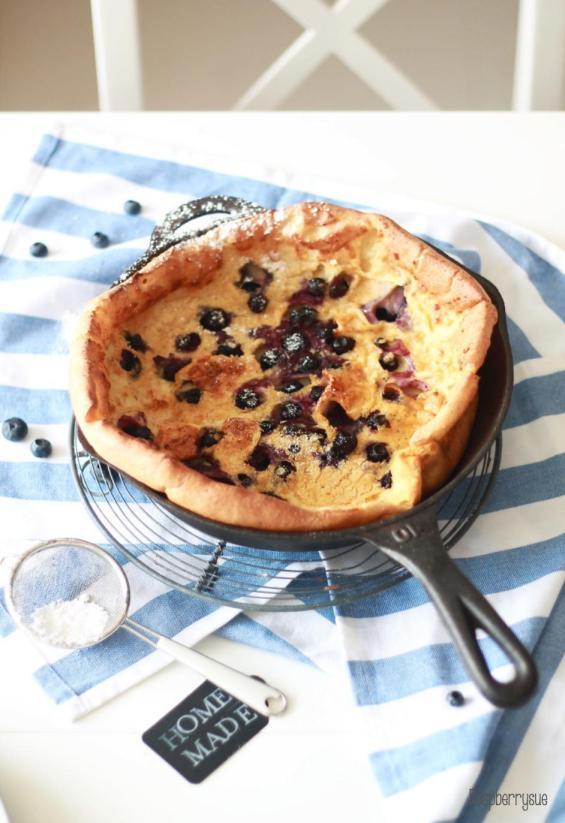 Dutch Blueberry Pancake