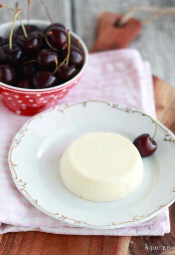 Joghurt Panna Cotta mit Kirschen3