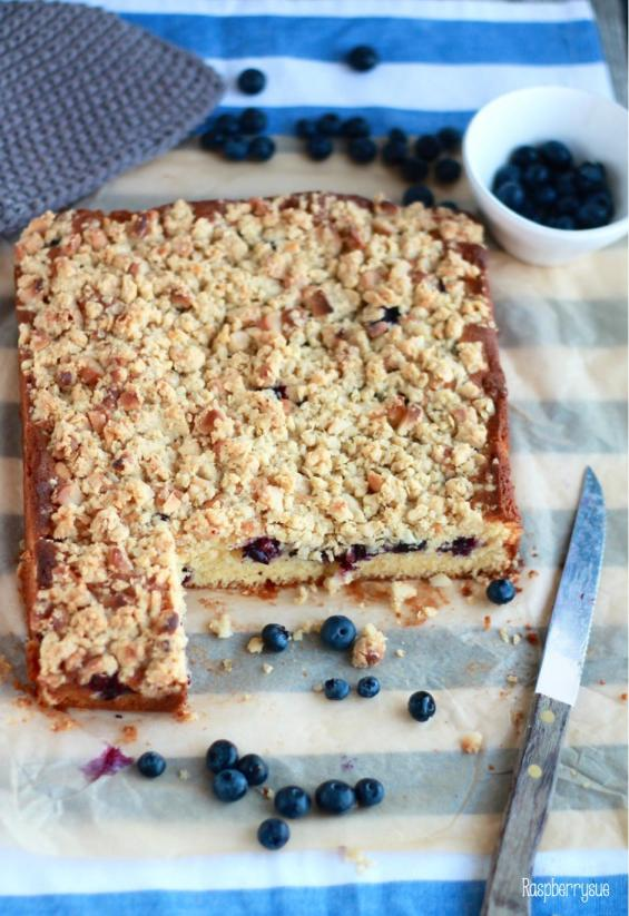 Blaubeer Streusel Blondies4