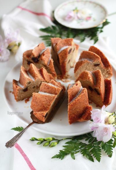 Apfelmuskuchen mit Kirschen 5