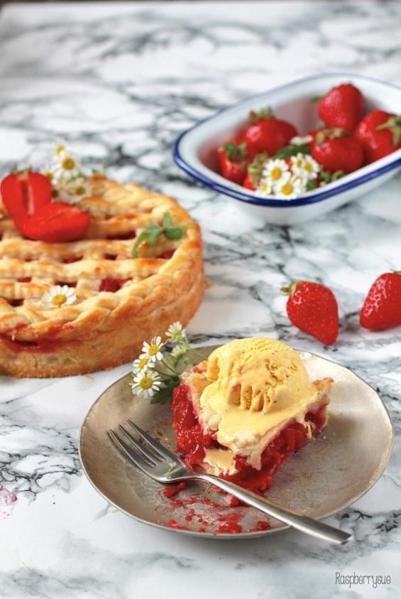 Raspberry Apricot Pie 4