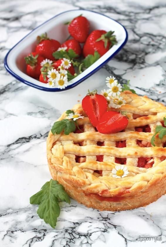 Strawberry Apple Pie 1