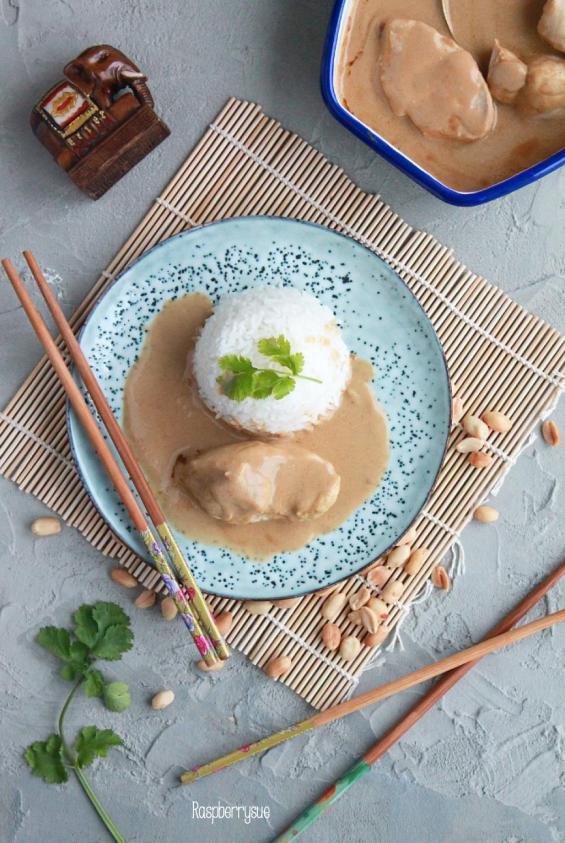 einfache-erdnuss-sauce-und-huehnchen
