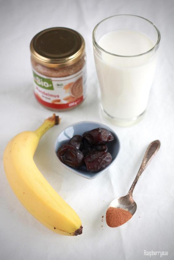 bananen-dattel-shake-mit-viel-zimt