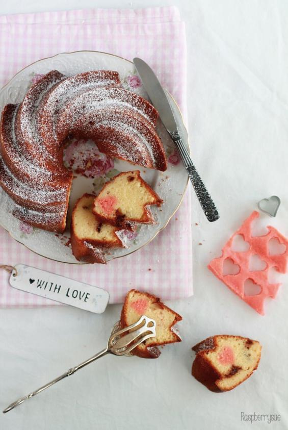 glutenfreier-gugelhupf-mit-schokolade