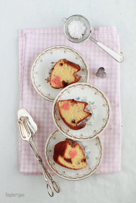 gugelhupf-mit-schokolade-und-griess-valentinstag