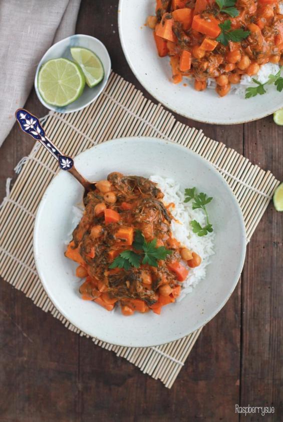 suesskartoffel-kichererbsen-eintopf-mit-spinat